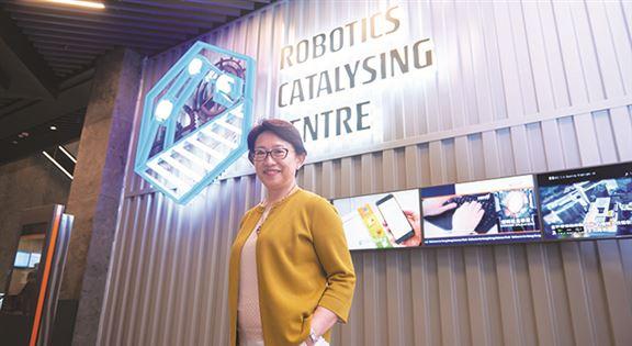 徐建說,成立香港科技園創科學院,冀發揮園區網絡,與業界夥伴合作,為畢業生及中層科技專才提供前瞻性的學習及培訓計劃。
