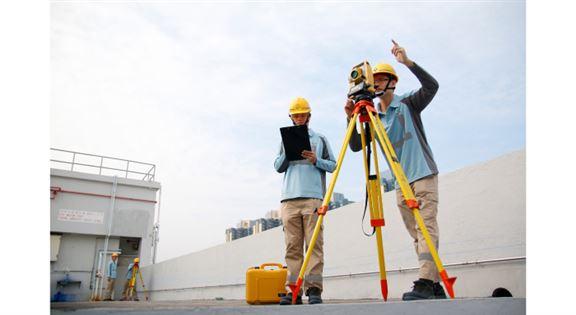 從事建造工地測量工作,需掌握平水儀及全站儀等測量儀器操作方法,以完成建造工程中各構件的定位工作。