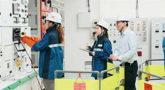 VTC與中電最近成立「中電電力工程實驗室」,實驗室設有「智能電網運行中心」及「高壓培訓中心」,並配備先進及專業的教學設施,為電力工程行業培育新世代專才。