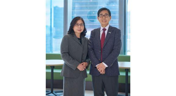 財富策劃經理劉美華Bonny(左)、分行經理于秉輝(右)