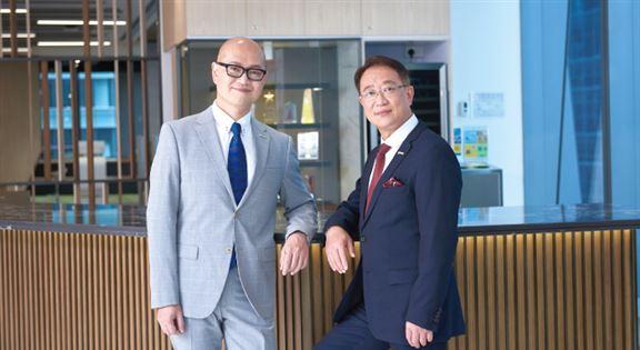 財富策劃總監陳國威Stephen(左)、營業經理陳國強Simon(右)