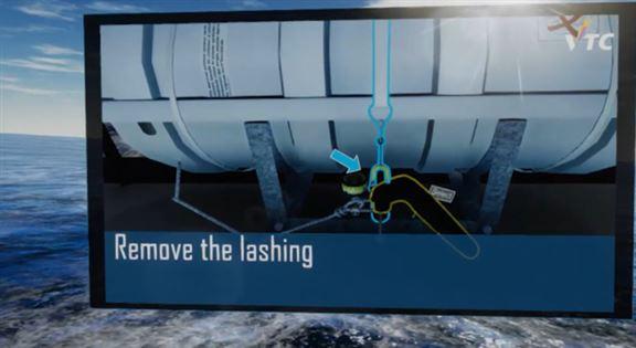 圖為「虛擬實境(VR)緊急事故個人求生技能系統」,幫助海事訓練學院(MSTI)相關課程的學生透過模擬操作船舶逃生設備,掌握船舶安全管理的專業知識。